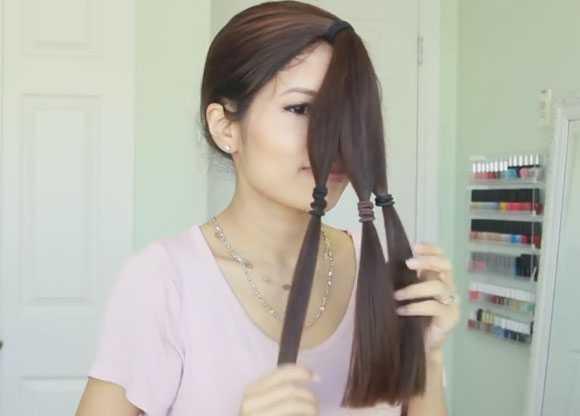 Три пряди волос завязанные резинкой