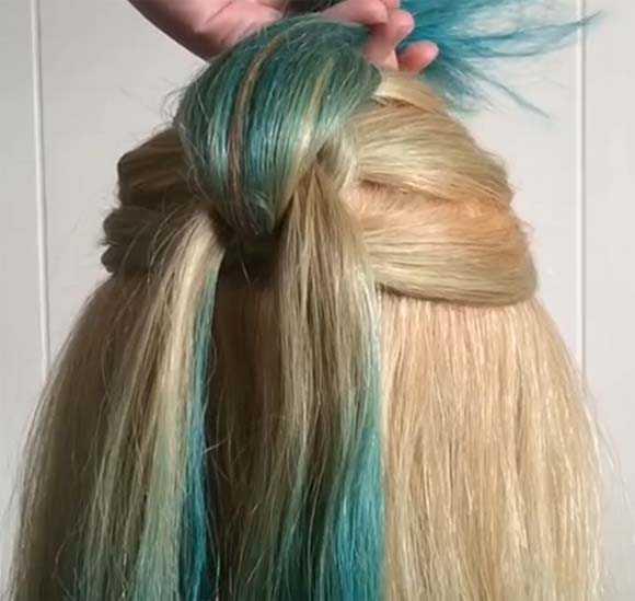 Продолжаем делать косу из хвостиков